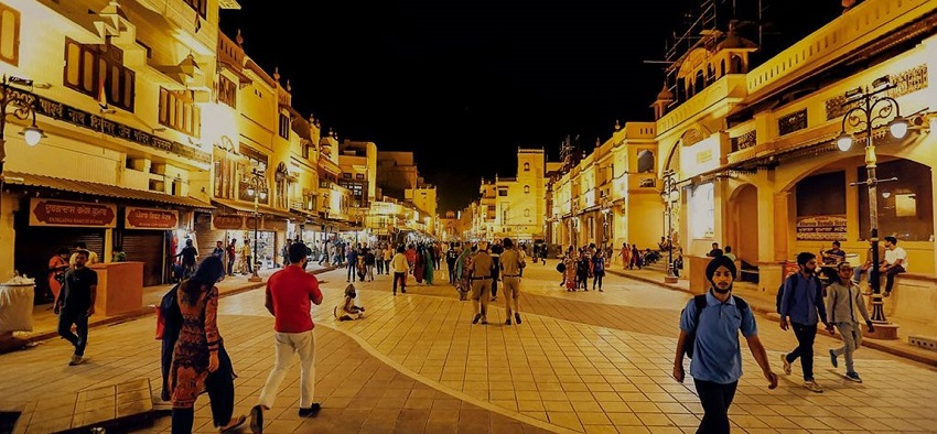 What are the various tourist spots in Amritsar?